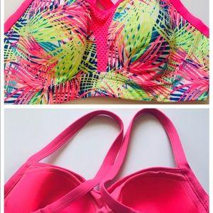 Victoria Secret sports bra size 34d  VS sport